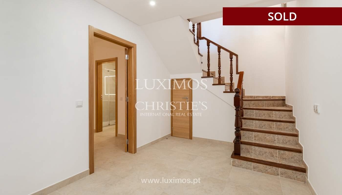 Villa de 4 dormitorios, renovada con piscina, Albufeira _162564