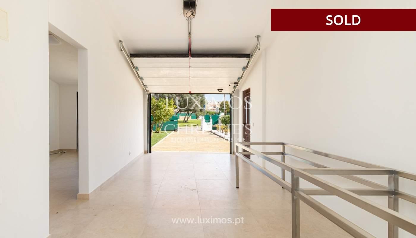 Villa de 4 dormitorios, renovada con piscina, Albufeira _162566