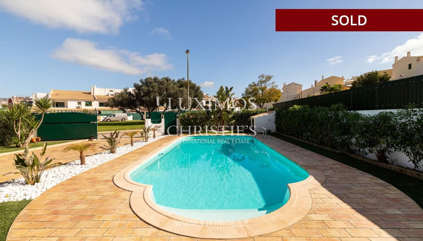 Villa de 4 dormitorios, renovada con piscina, Albufeira _162571