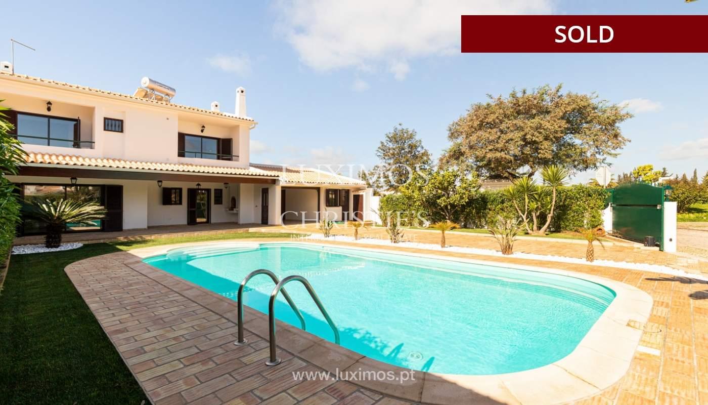 Villa de 4 dormitorios, renovada con piscina, Albufeira _162572