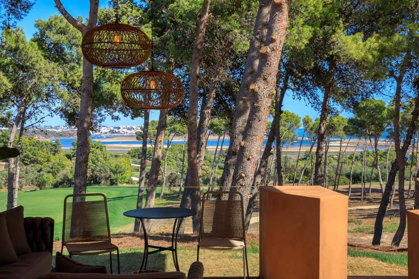 sale-of-luxury-apartment-in-golf-resort-lagos-algarve-portugal