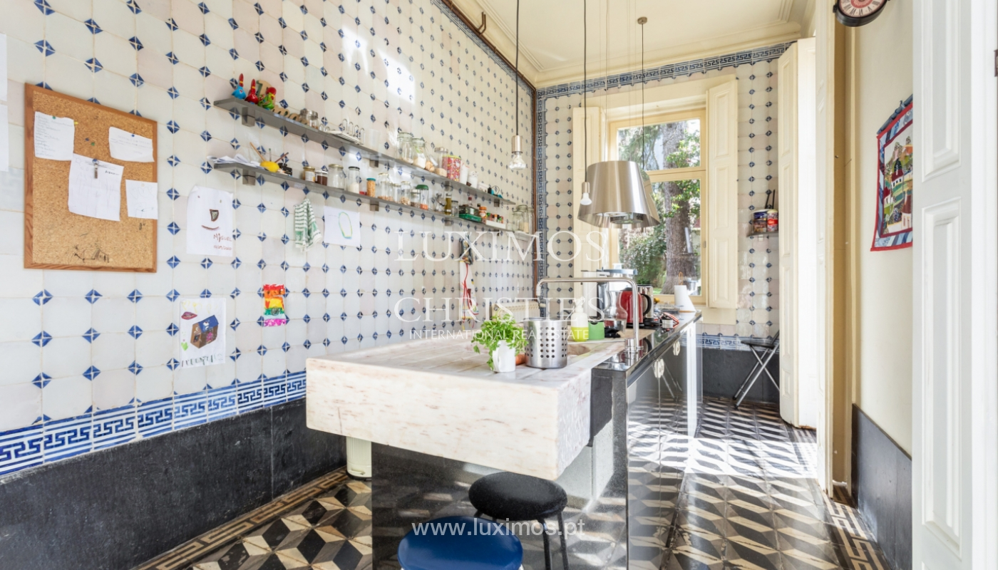 Secular villa with garden, for sale, in the Centre of Porto, Portugal_164460