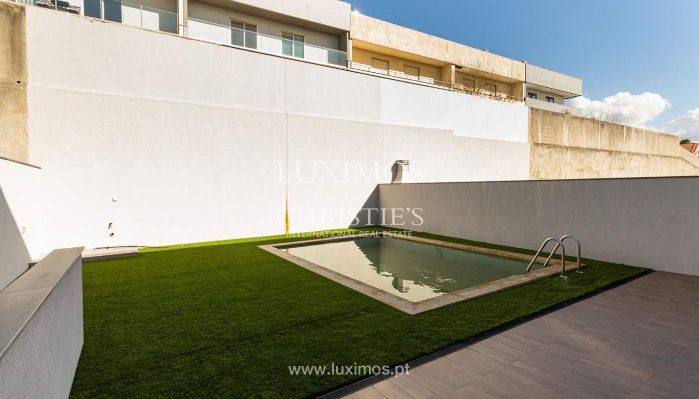 Villa con piscina y jardín, en venta en Salgueiros, V.N. Gaia, Portugal_165636