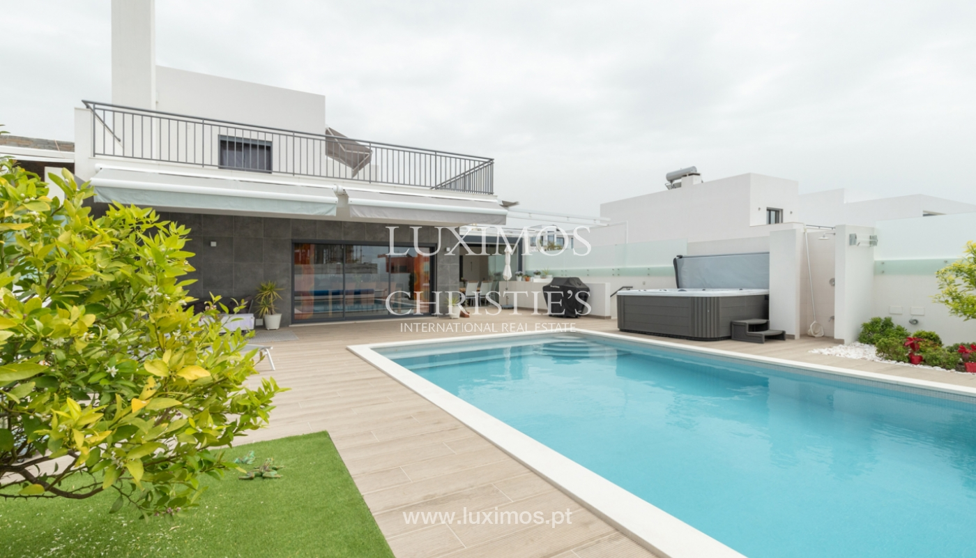 Modern 3 bedroom villa with swimming pool & jacuzzi, Quarteira, Algarve_166079