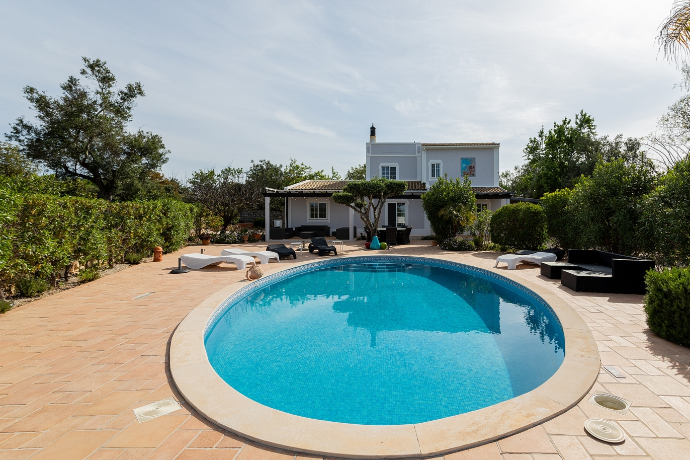 villa-with-sea-view-and-swimming-pool-loule-algarve