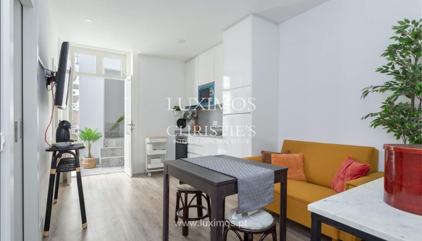 Appartement avec terrasse couverte, à vendre, dans le centre-ville de Porto, Portugal_166486