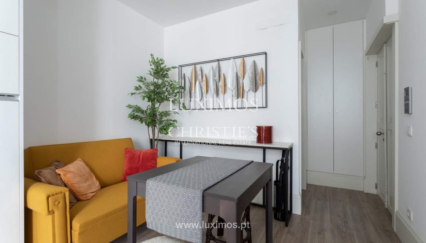 Appartement avec terrasse couverte, à vendre, dans le centre-ville de Porto, Portugal_166490