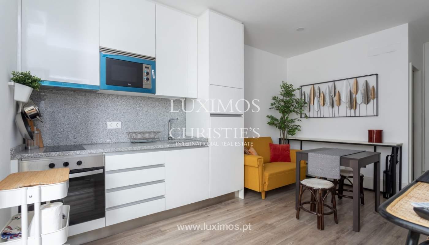 Appartement avec terrasse couverte, à vendre, dans le centre-ville de Porto, Portugal_166493