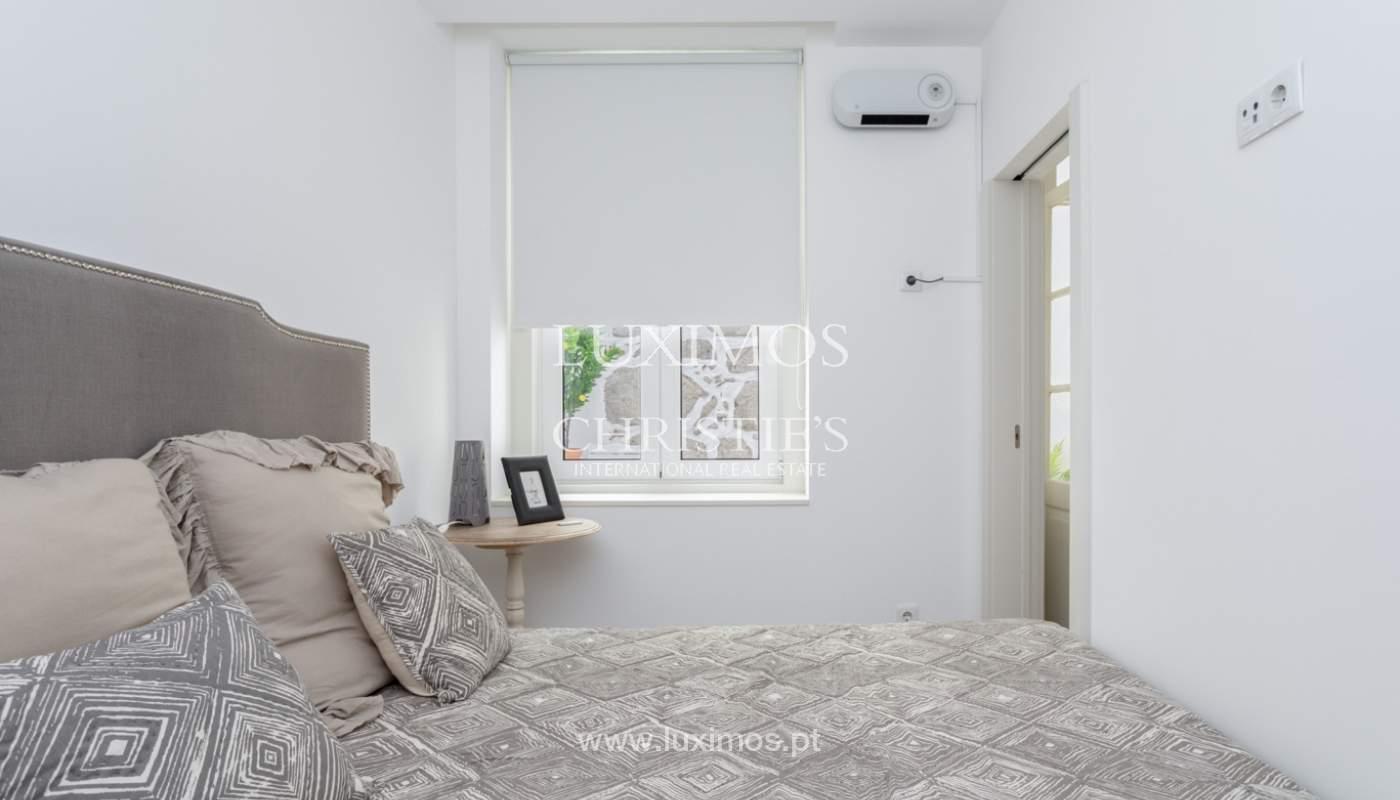 Appartement avec terrasse couverte, à vendre, dans le centre-ville de Porto, Portugal_166500