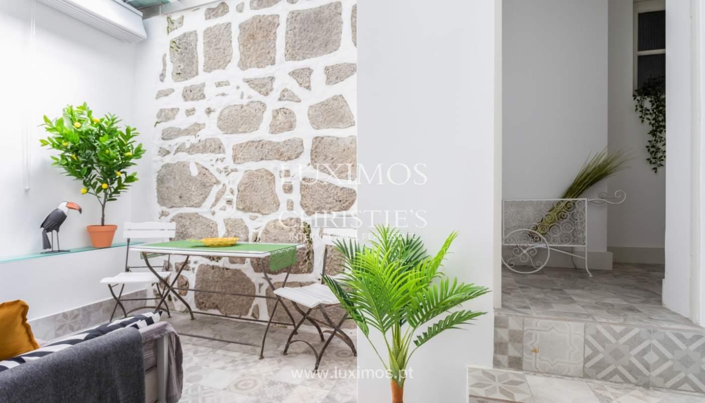 Appartement avec terrasse couverte, à vendre, dans le centre-ville de Porto, Portugal_166510