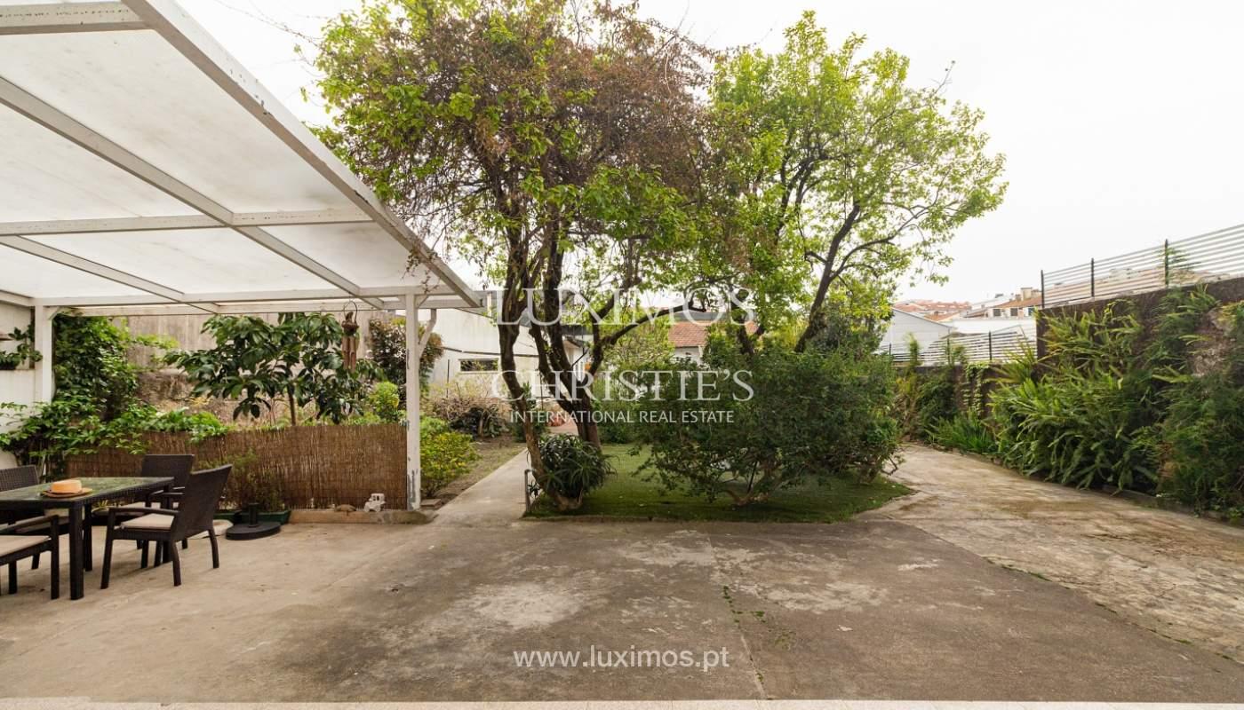 Moradia dos anos 50 com jardim para venda, no Porto_166550