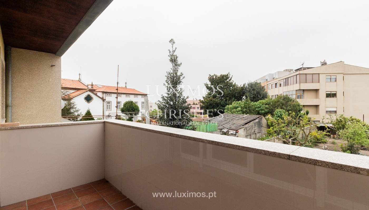 Villa renovada con jardín, en venta, en Lordelo do Ouro, Porto, Portugal_167098