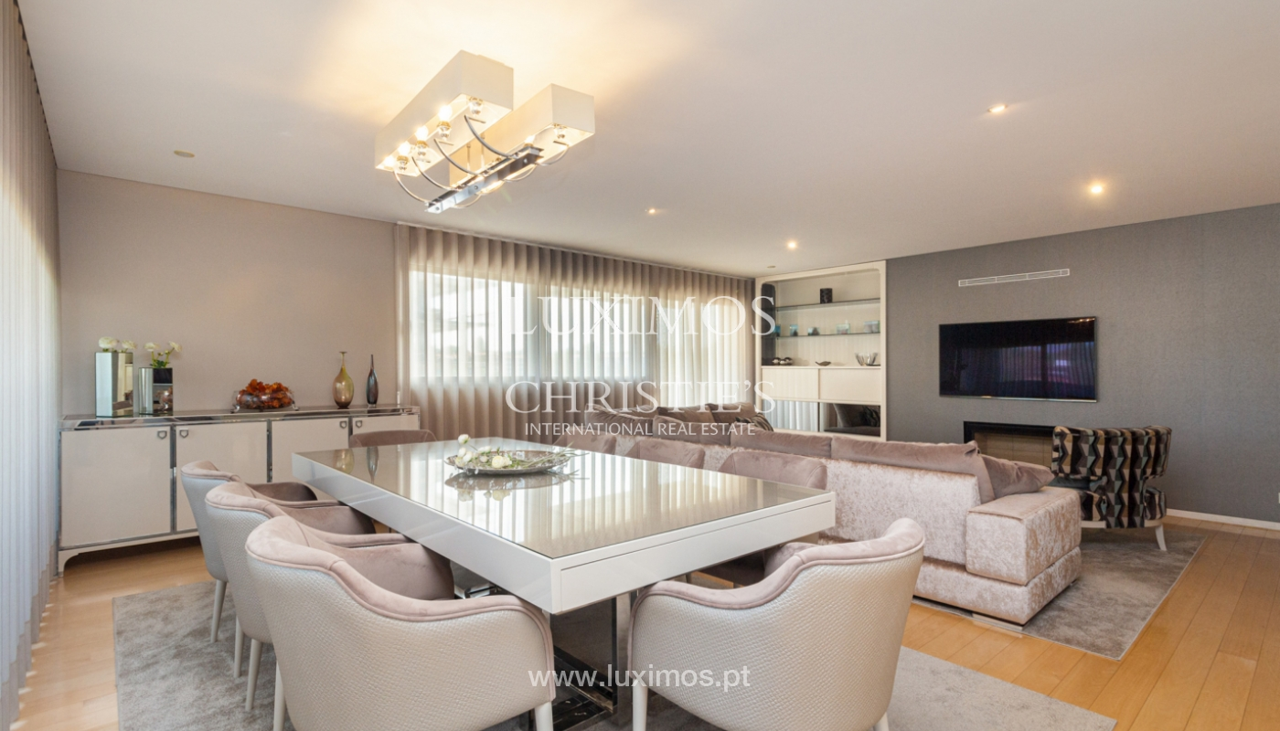 Apartamento con balcón, en venta, en Ramalde, Oporto, Portugal_167500