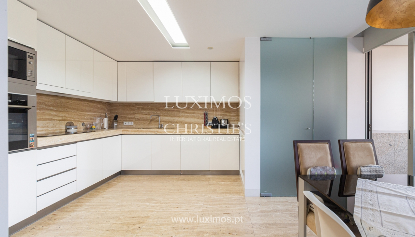 Apartamento con balcón, en venta, en Ramalde, Oporto, Portugal_167503