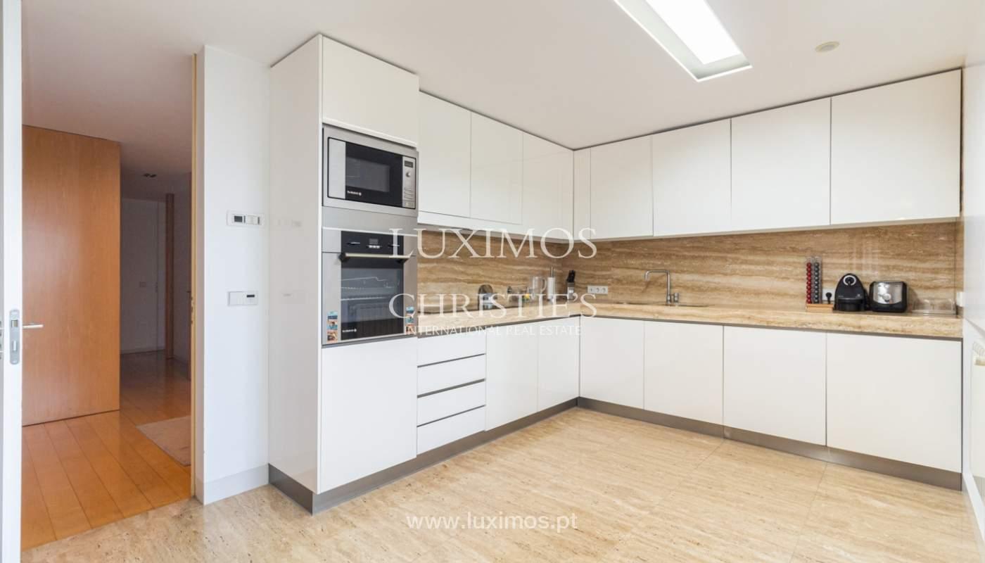 Apartamento con balcón, en venta, en Ramalde, Oporto, Portugal_167504