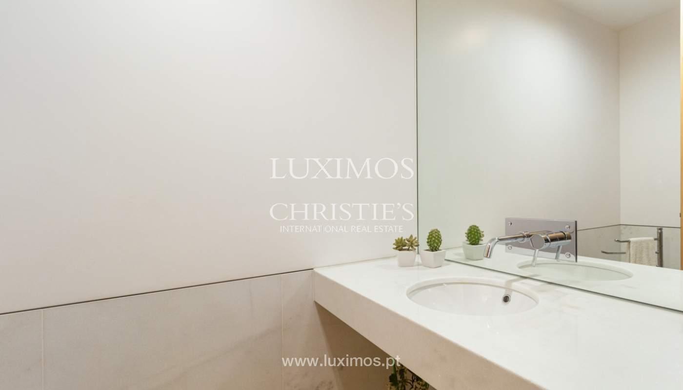 Apartamento con balcón, en venta, en Ramalde, Oporto, Portugal_167521