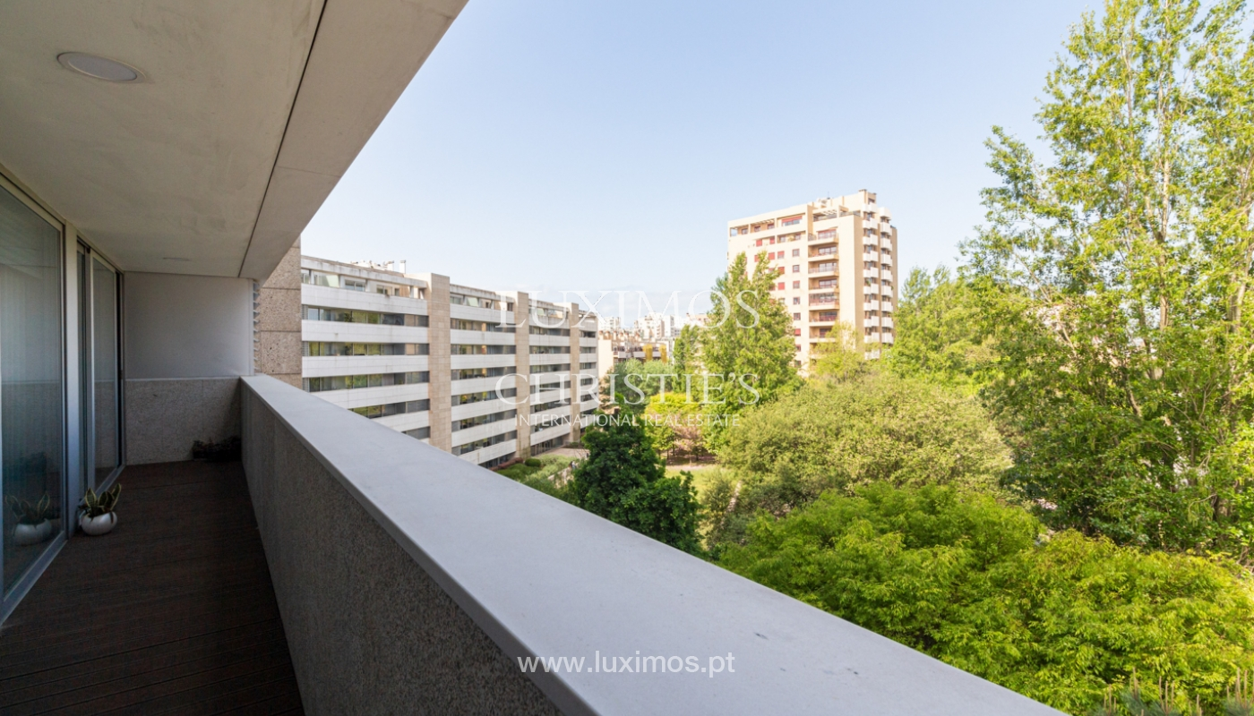 Apartamento con balcón, en venta, en Ramalde, Oporto, Portugal_167525