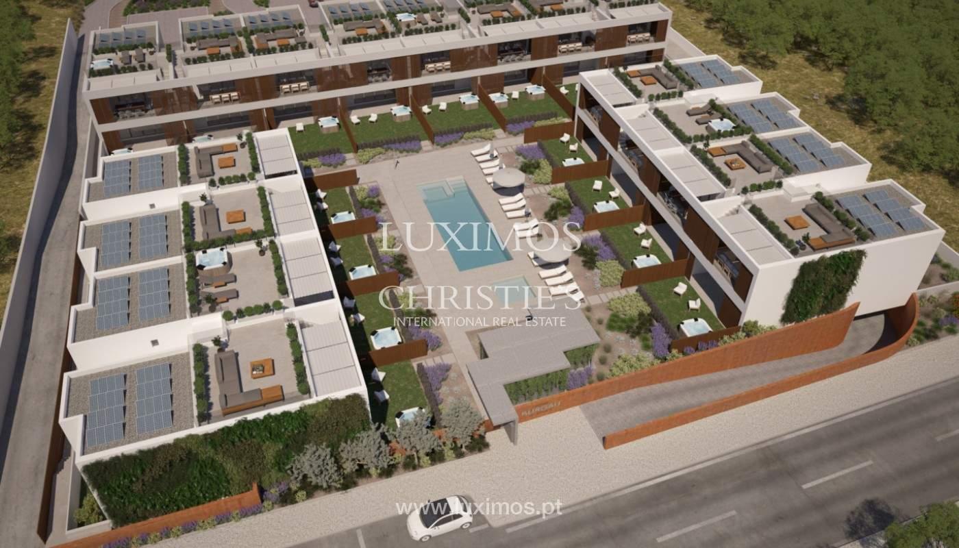 2 bedroom apartment, private condominium, Praia da Luz, Algarve_168658