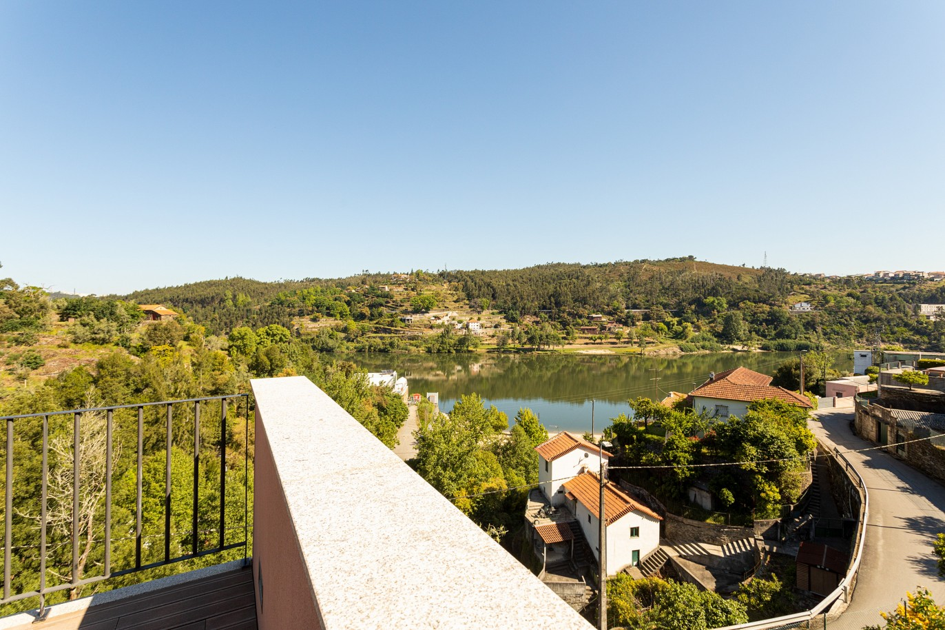 villa-with-river-views-for-sale-in-crestuma-vila-nova-de-gaia-portugal