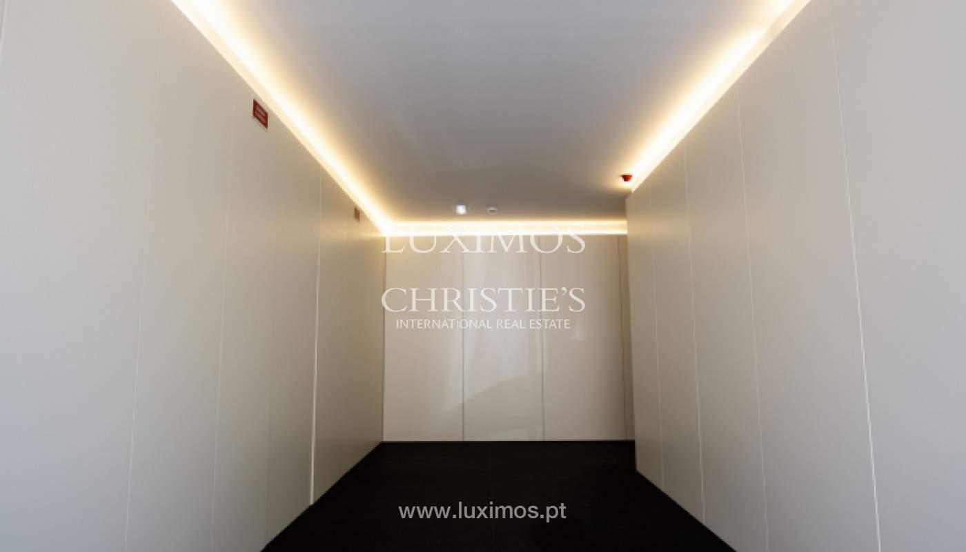 Apartamento nuevo y moderno, para la venta, en el centro de Porto, Portugal _170407