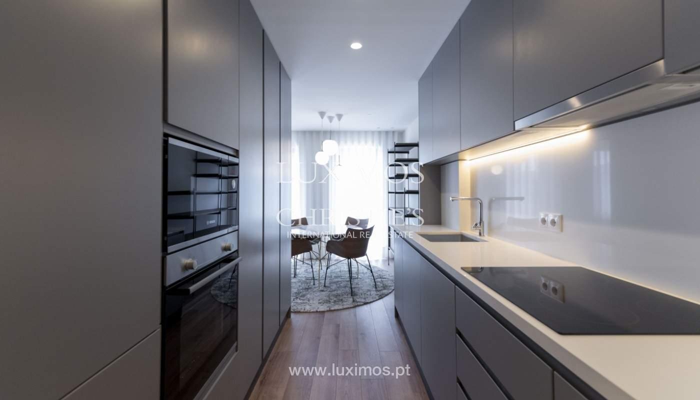 Apartamento nuevo y moderno, para la venta, en el centro de Porto, Portugal _170421