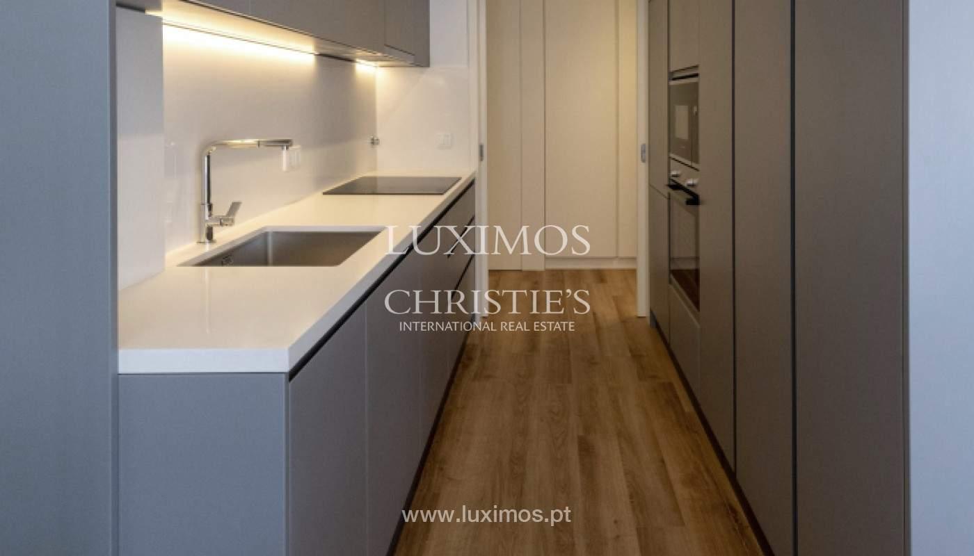 Apartamento nuevo y moderno, para la venta, en el centro de Porto, Portugal _170425