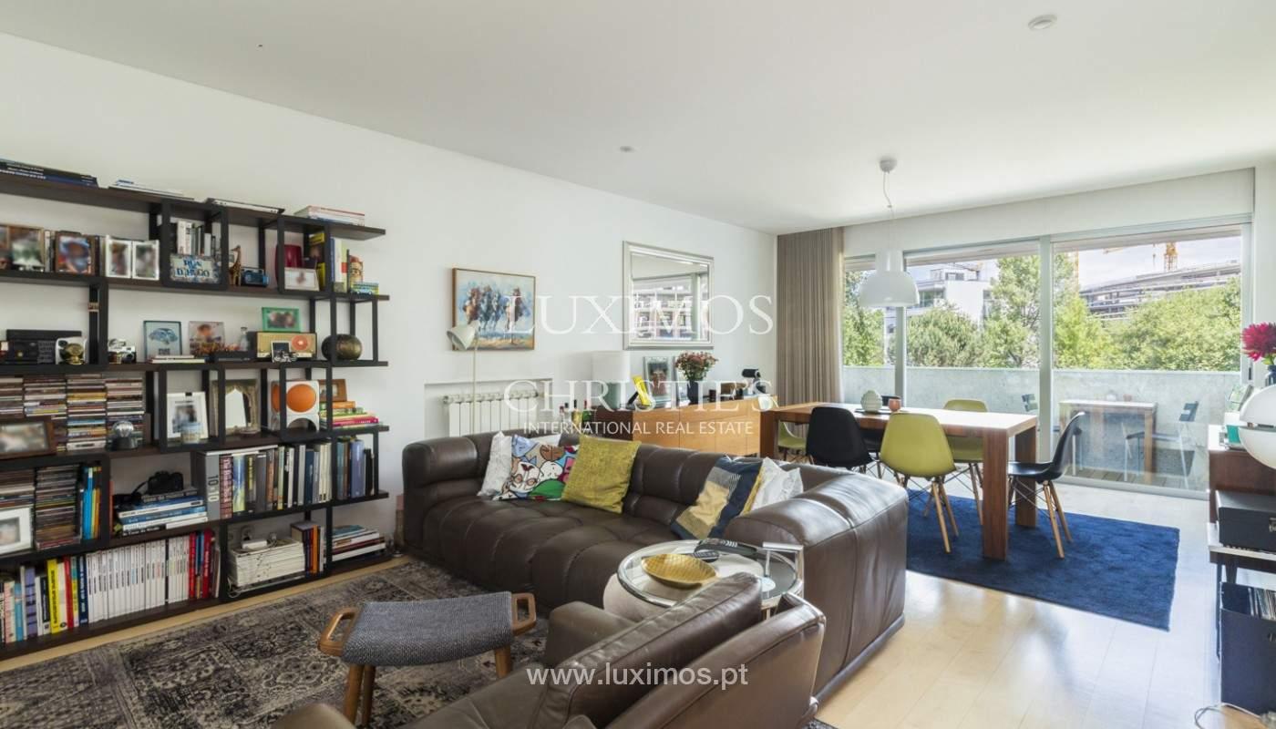 Apartamento de lujo con balcón, en venta, en Ramalde, Oporto, Portugal_170807