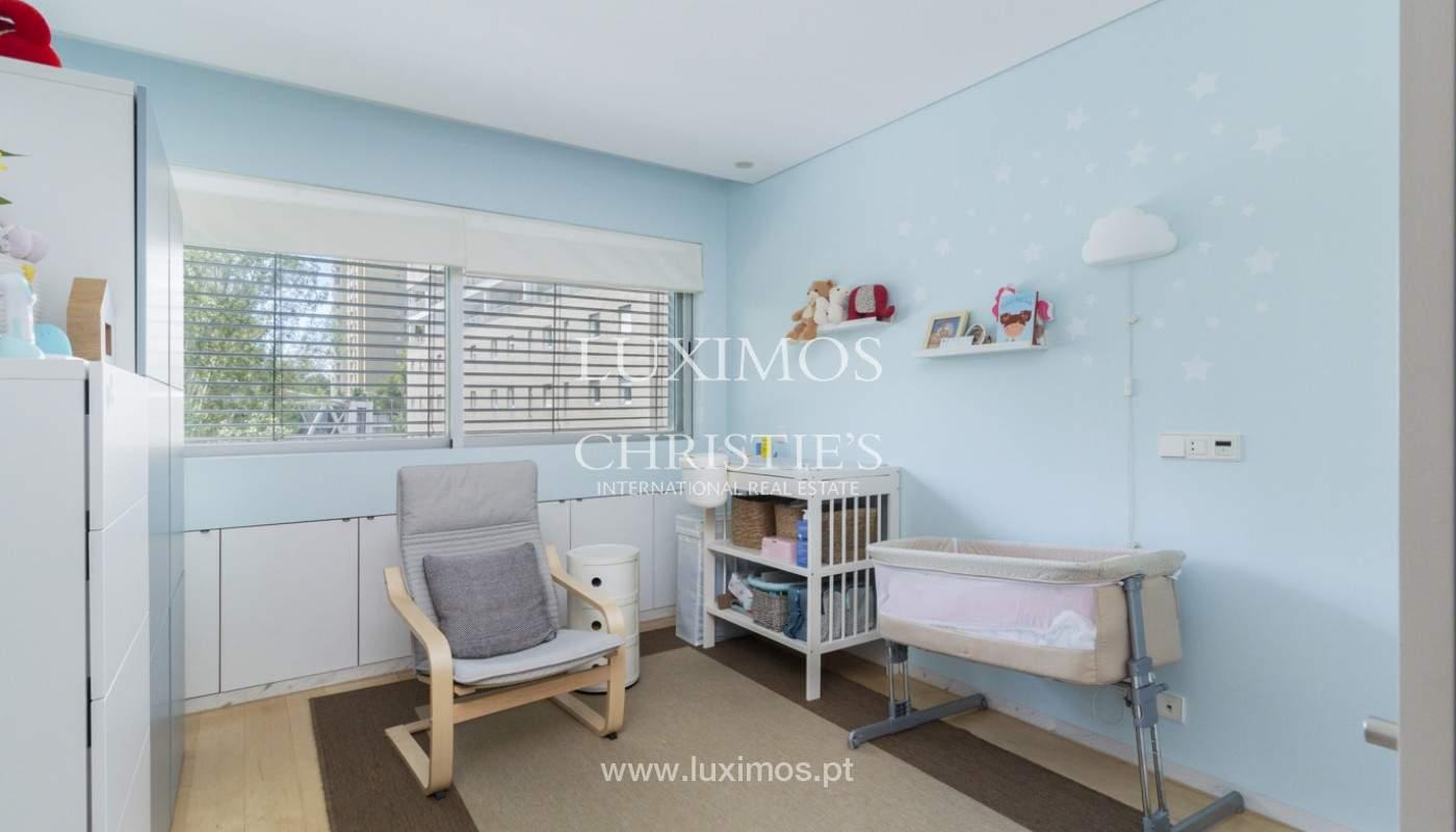 Apartamento de lujo con balcón, en venta, en Ramalde, Oporto, Portugal_170819