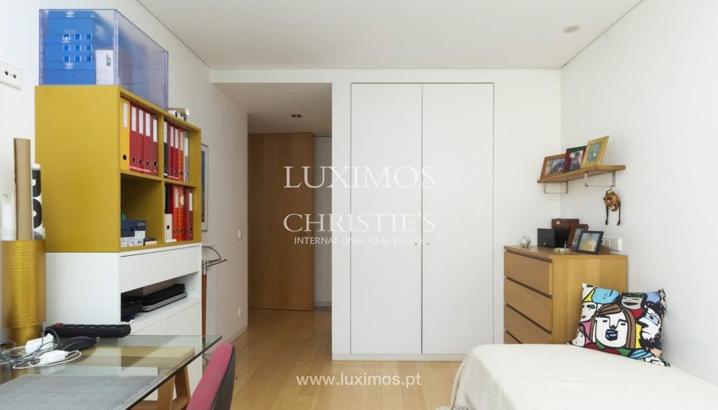 Apartamento de lujo con balcón, en venta, en Ramalde, Oporto, Portugal_170820
