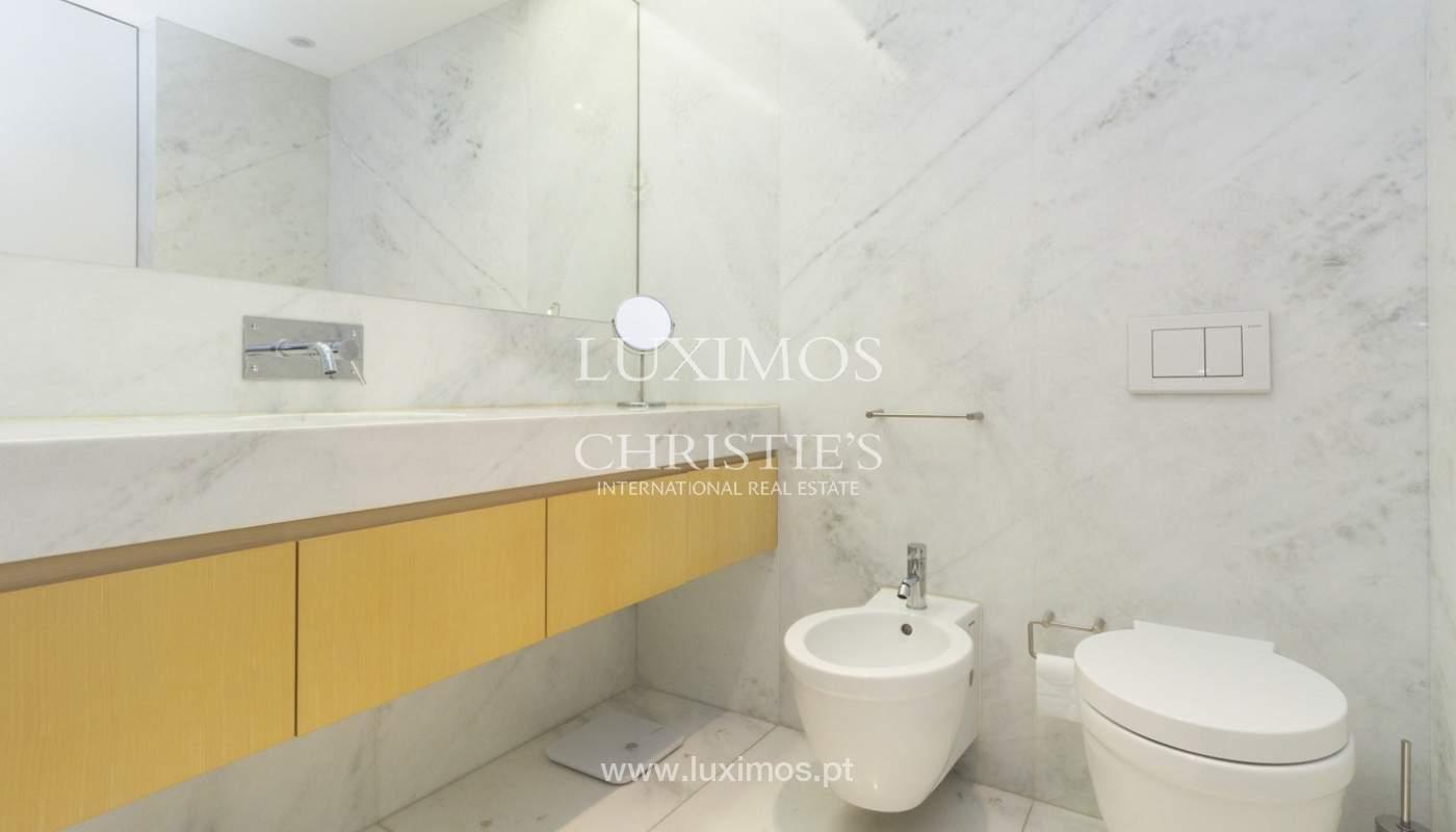 Apartamento de lujo con balcón, en venta, en Ramalde, Oporto, Portugal_170824