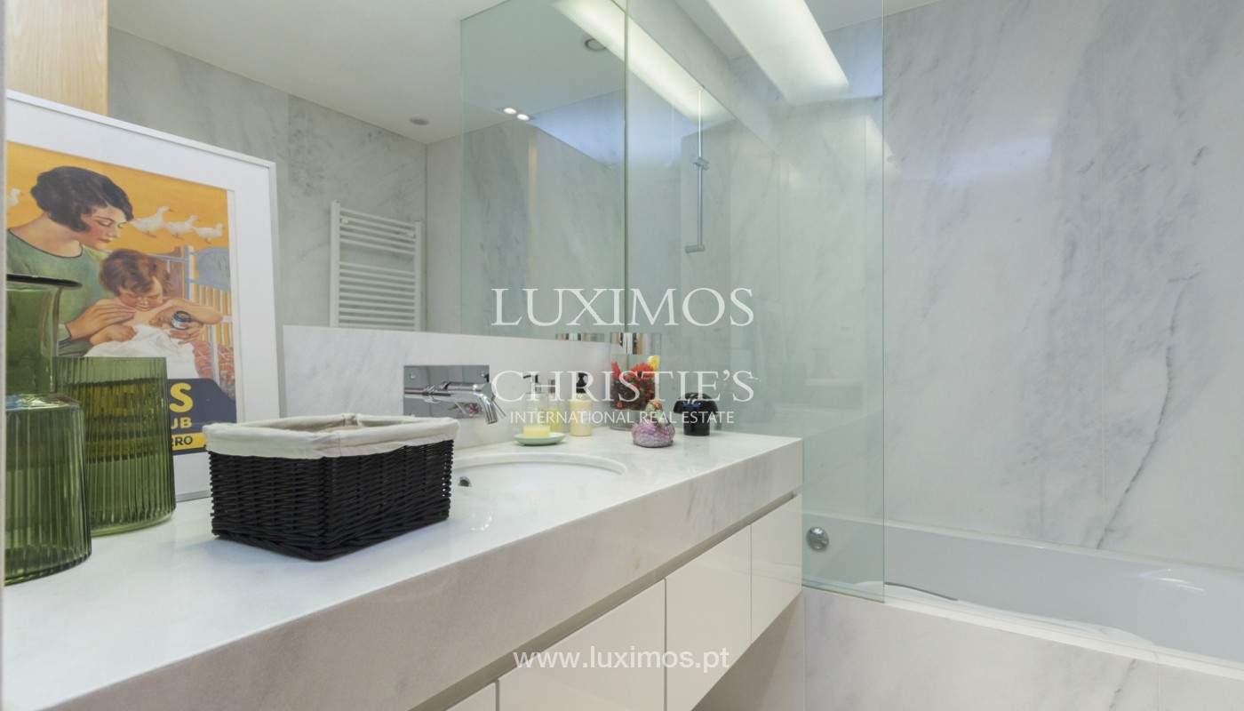 Apartamento de lujo con balcón, en venta, en Ramalde, Oporto, Portugal_170825