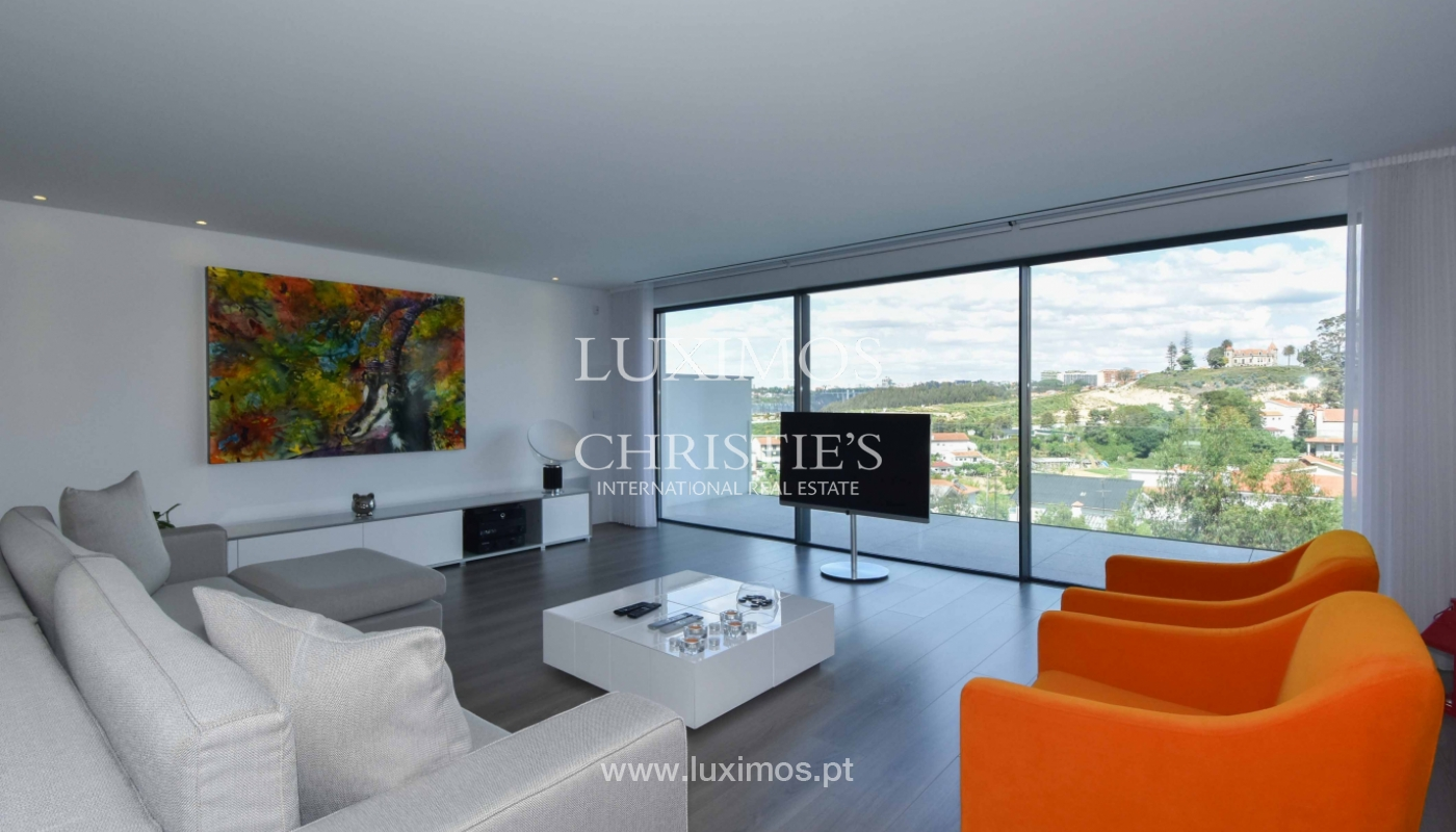 Villa with river and sea views, for sale, in V. N. Gaia, Portugal_170898