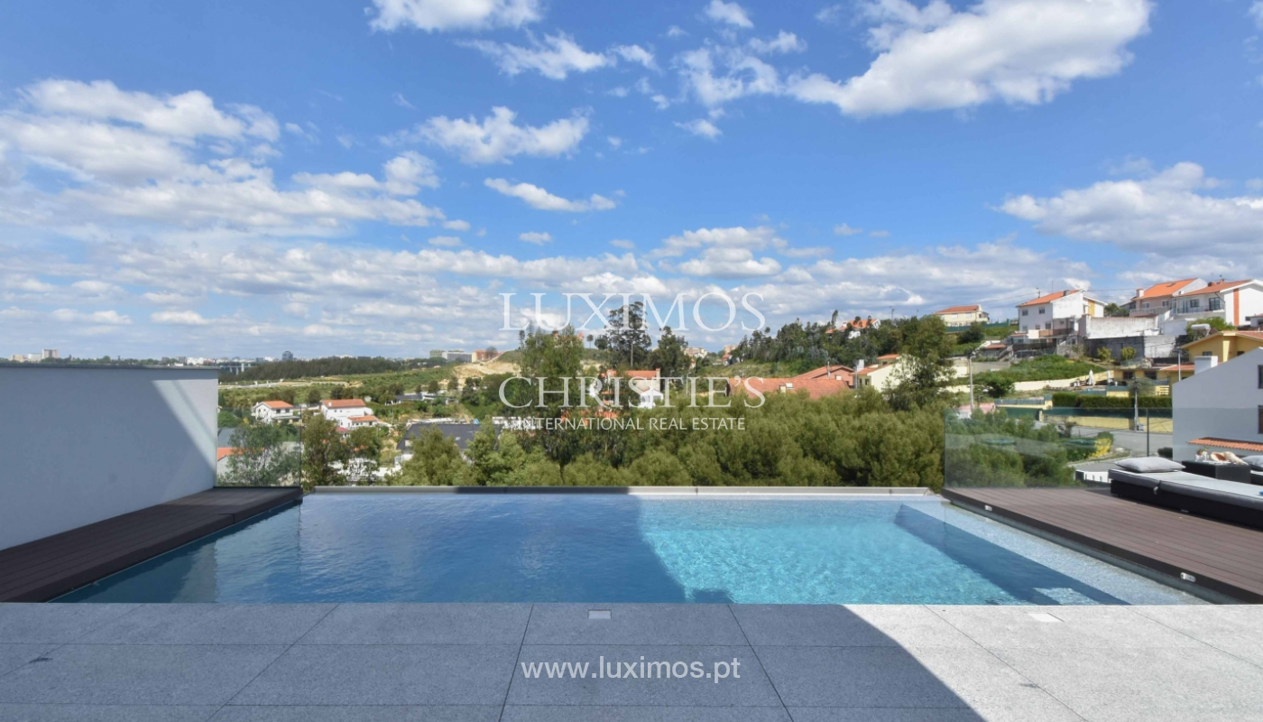 Villa with river and sea views, for sale, in V. N. Gaia, Portugal_170916
