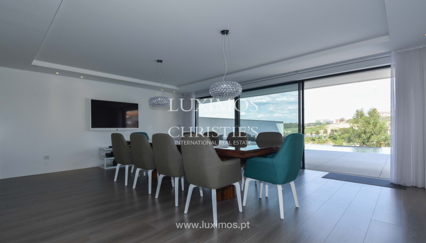 Villa with river and sea views, for sale, in V. N. Gaia, Portugal_170920