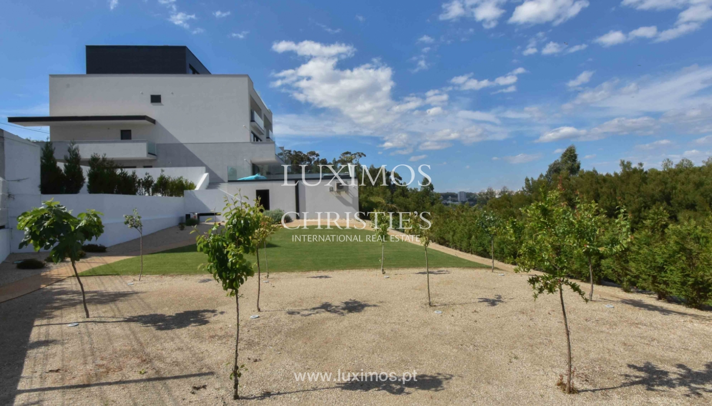 Villa with river and sea views, for sale, in V. N. Gaia, Portugal_170941