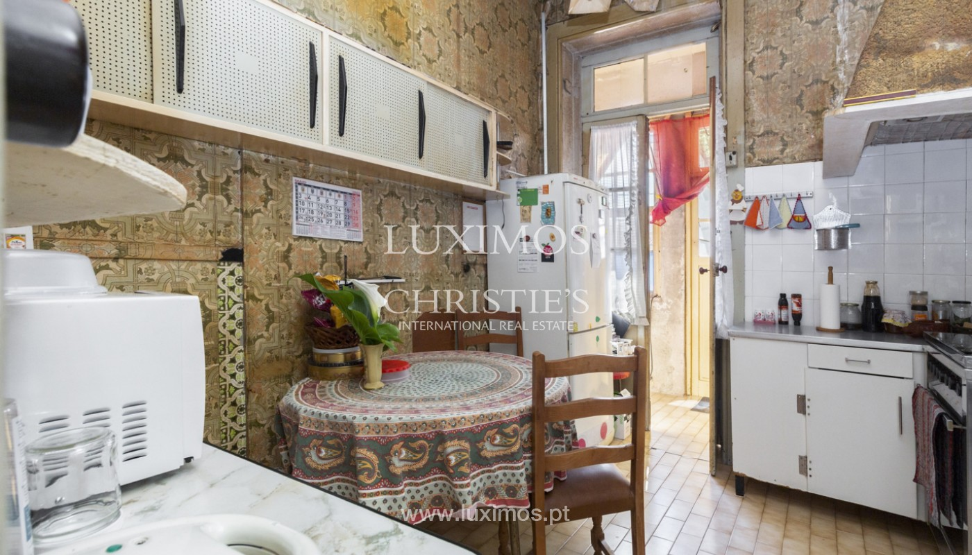 House for rehabilitation, for sale, in the Centre of Porto, Portugal_171198