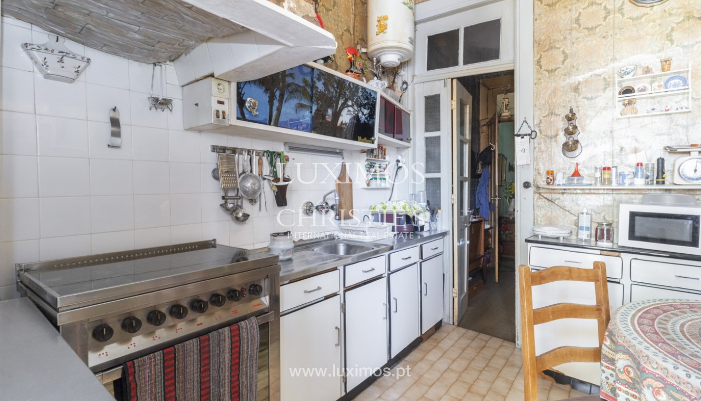House for rehabilitation, for sale, in the Centre of Porto, Portugal_171199
