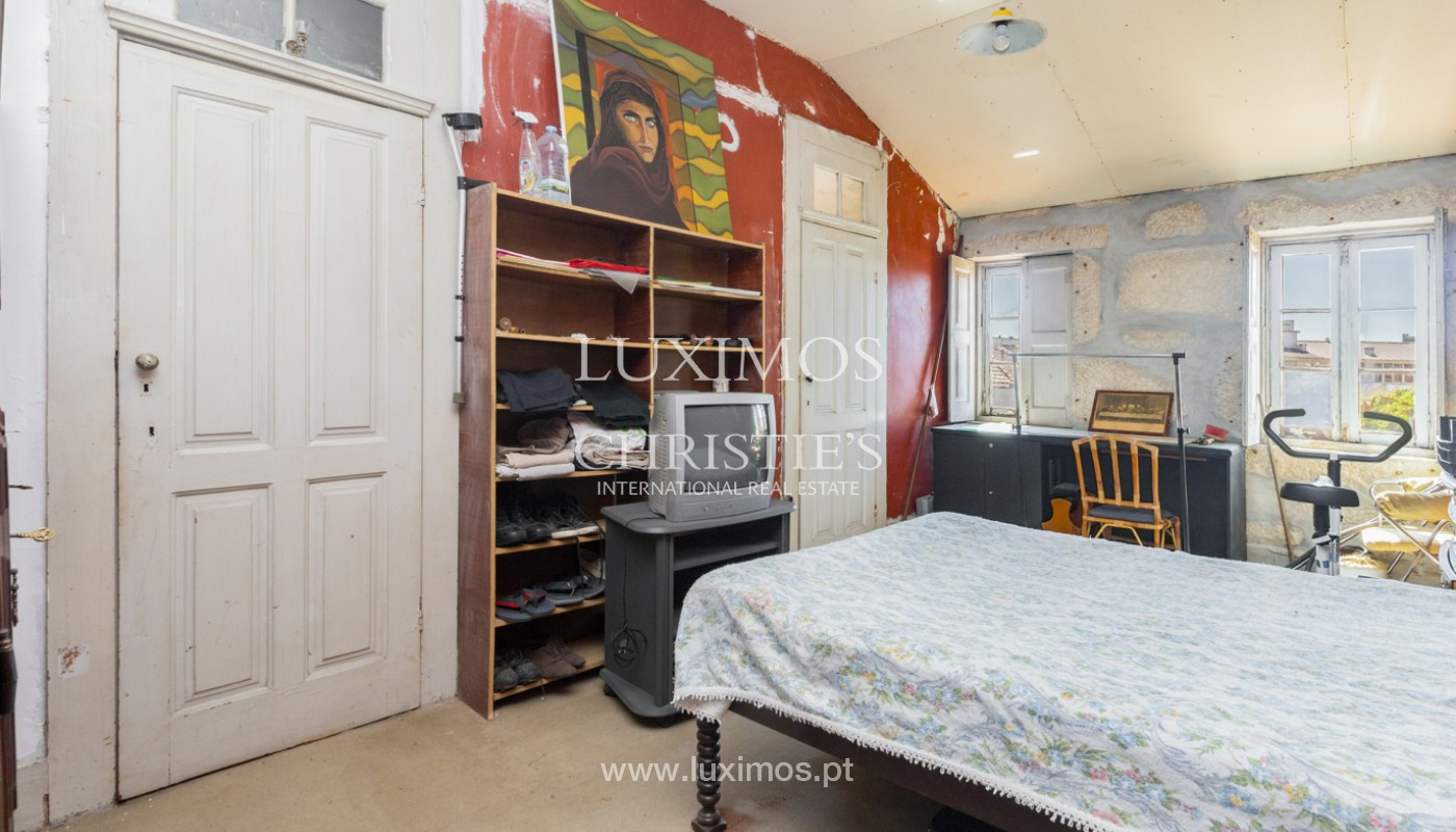 House for rehabilitation, for sale, in the Centre of Porto, Portugal_171202