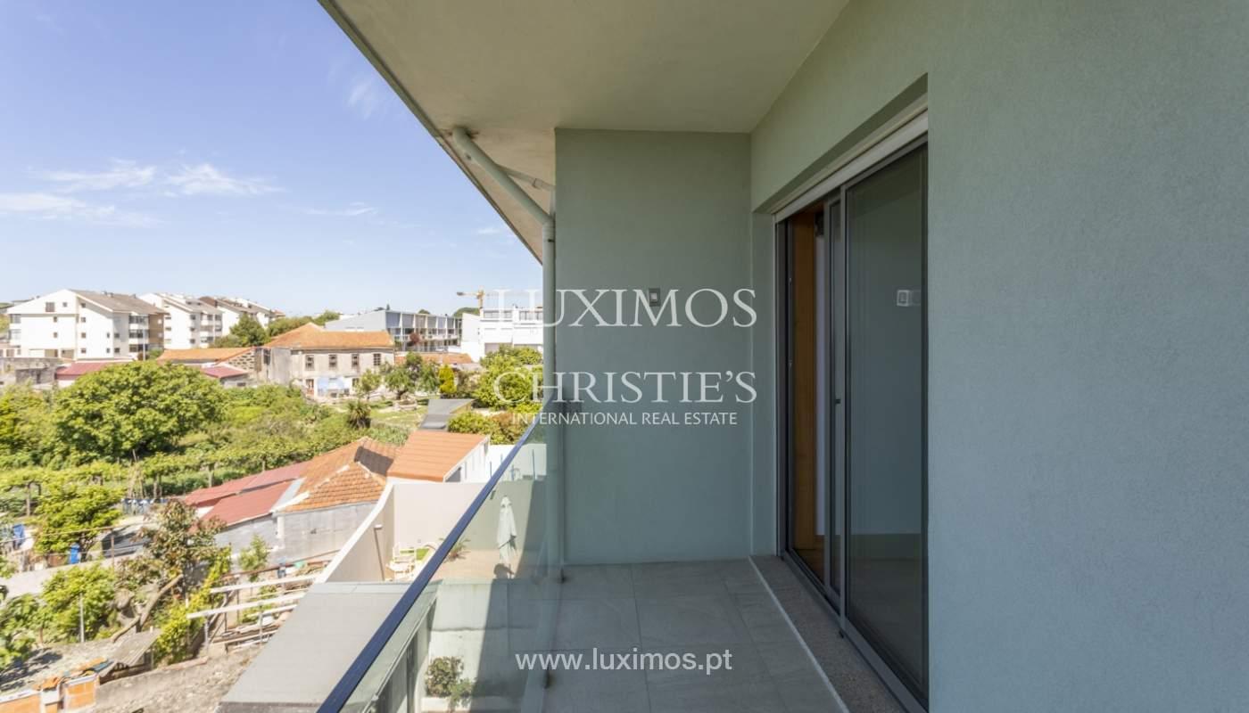 Villa V4+1 avec jardin, à vendre, à Lordelo do Ouro, Porto, Portugal_172001