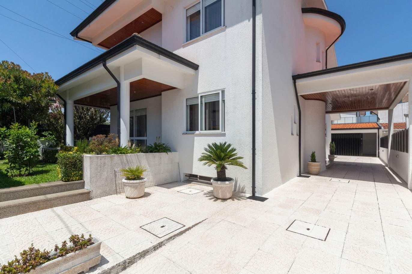 villa-de-4-1-chambres-avec-jardin-a-vendre-a-maia-porto-portugal