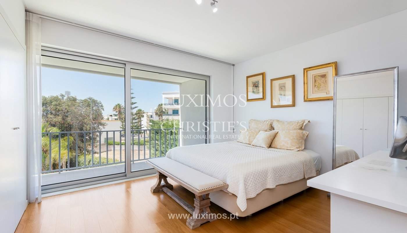 Villa moderna con piscina y jardín, Albufeira, Algarve_173958