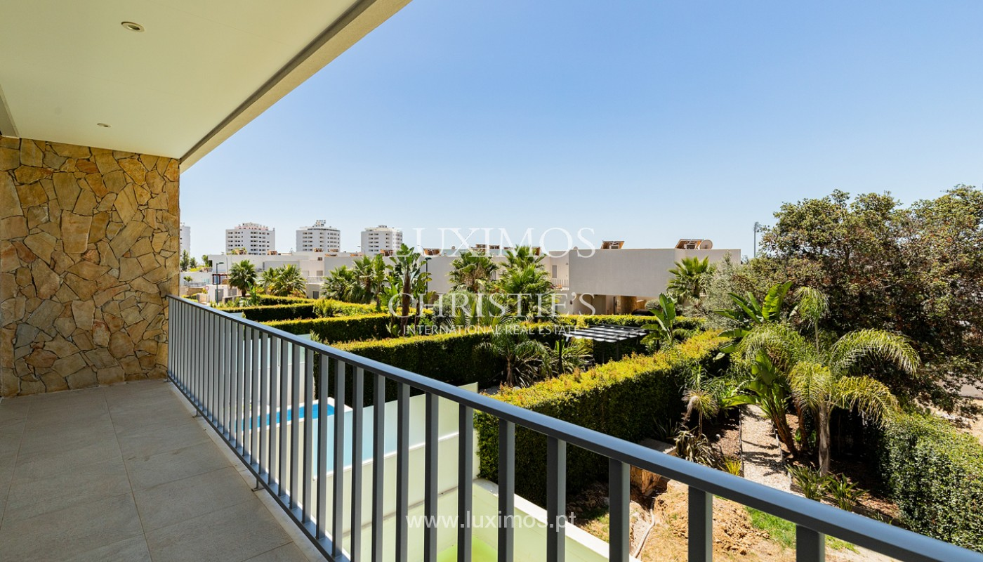 Villa moderna con piscina y jardín, Albufeira, Algarve_173968