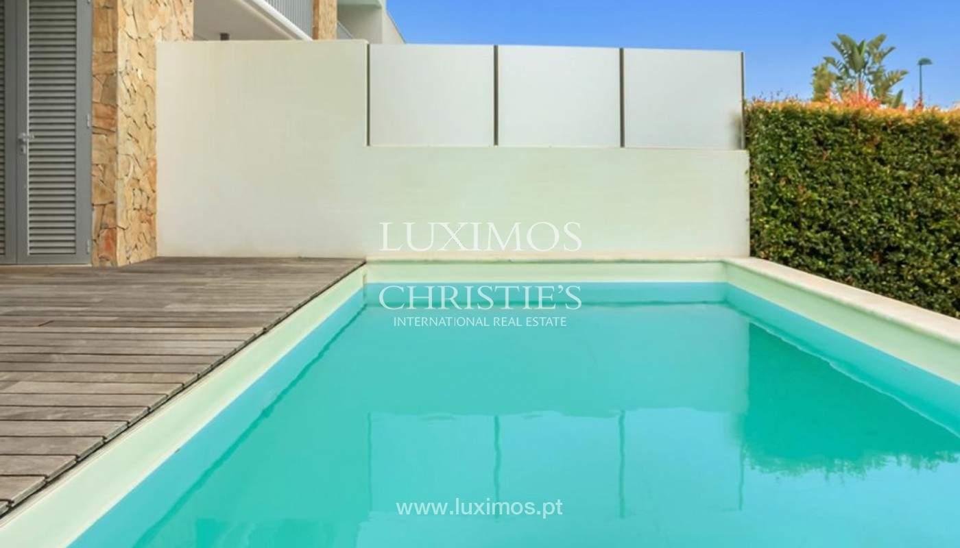 Villa moderna con piscina y jardín, Albufeira, Algarve_173975
