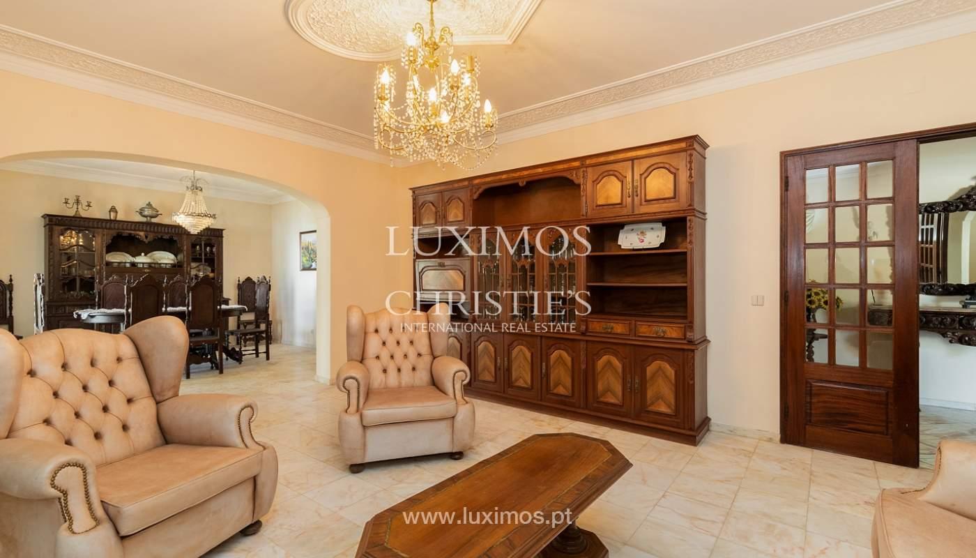 4+1-Schlafzimmer-Villa, nahe dem Zentrum von Loulé, Algarve_174588