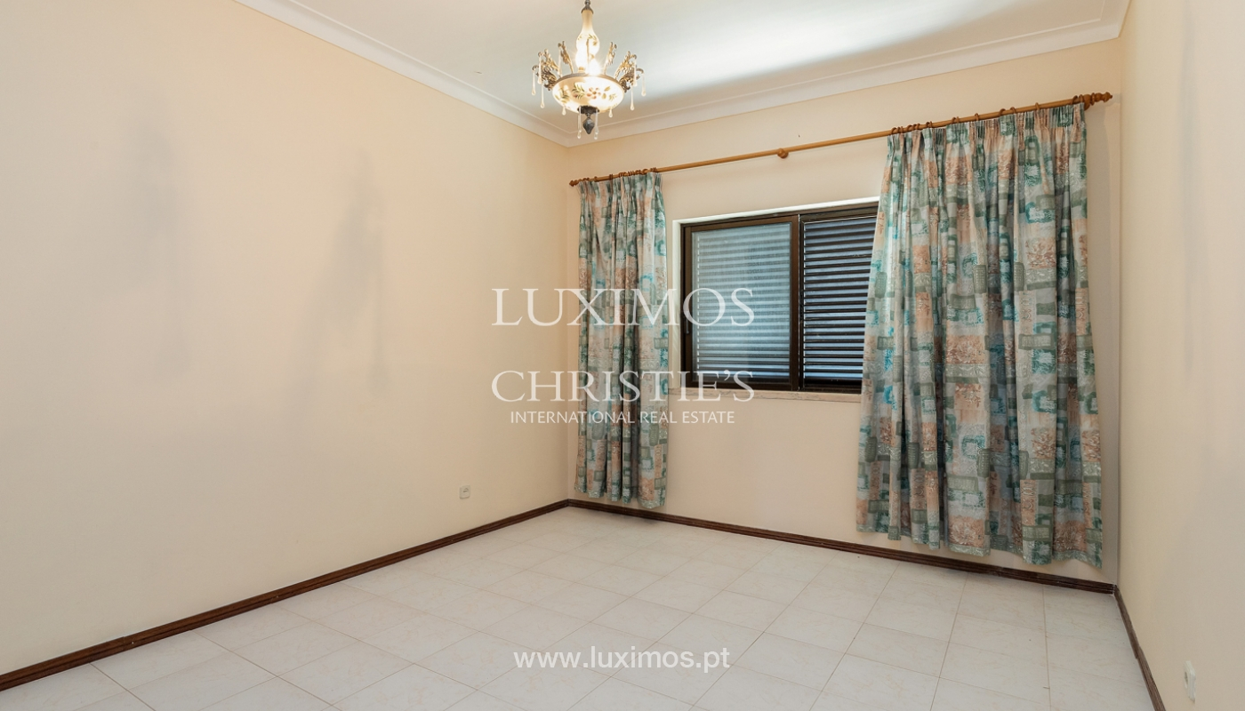 4+1-Schlafzimmer-Villa, nahe dem Zentrum von Loulé, Algarve_174598
