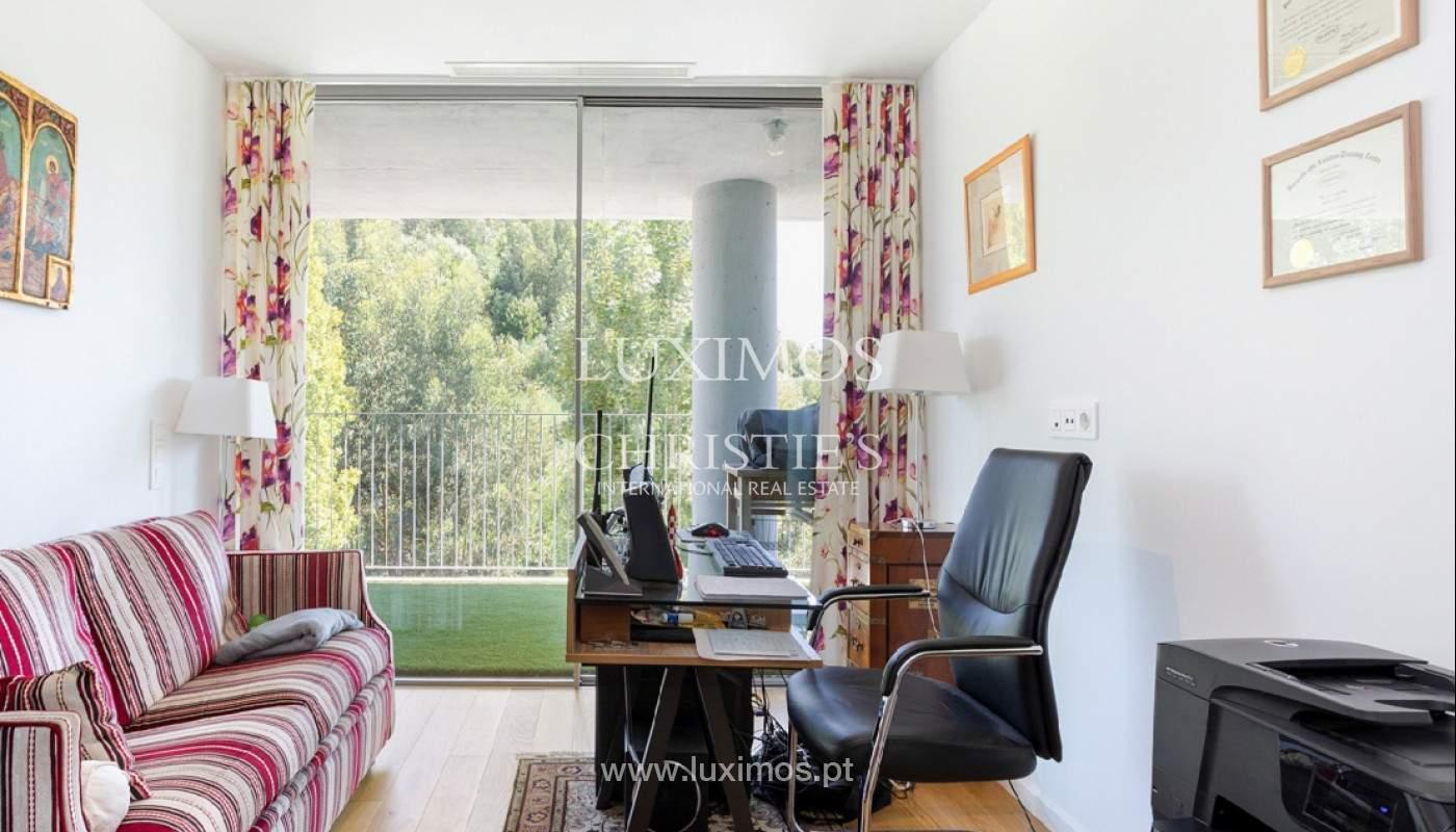 Wohnung mit Balkon in 1. Linie des Flusses, zu verkaufen, in V. N. Gaia, Portugal_176537