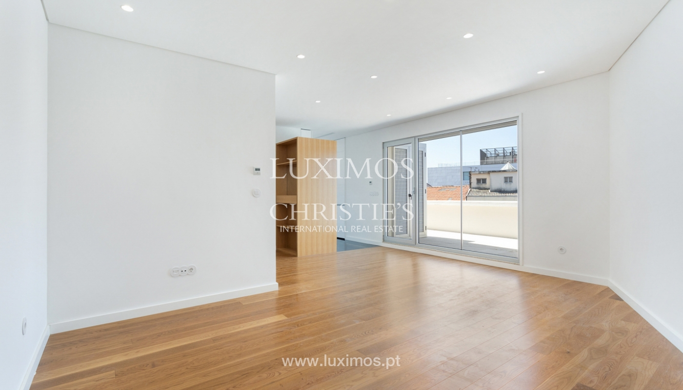 Apartment with balcony and terrace, for sale, in Boavista, Porto, Portugal_176541
