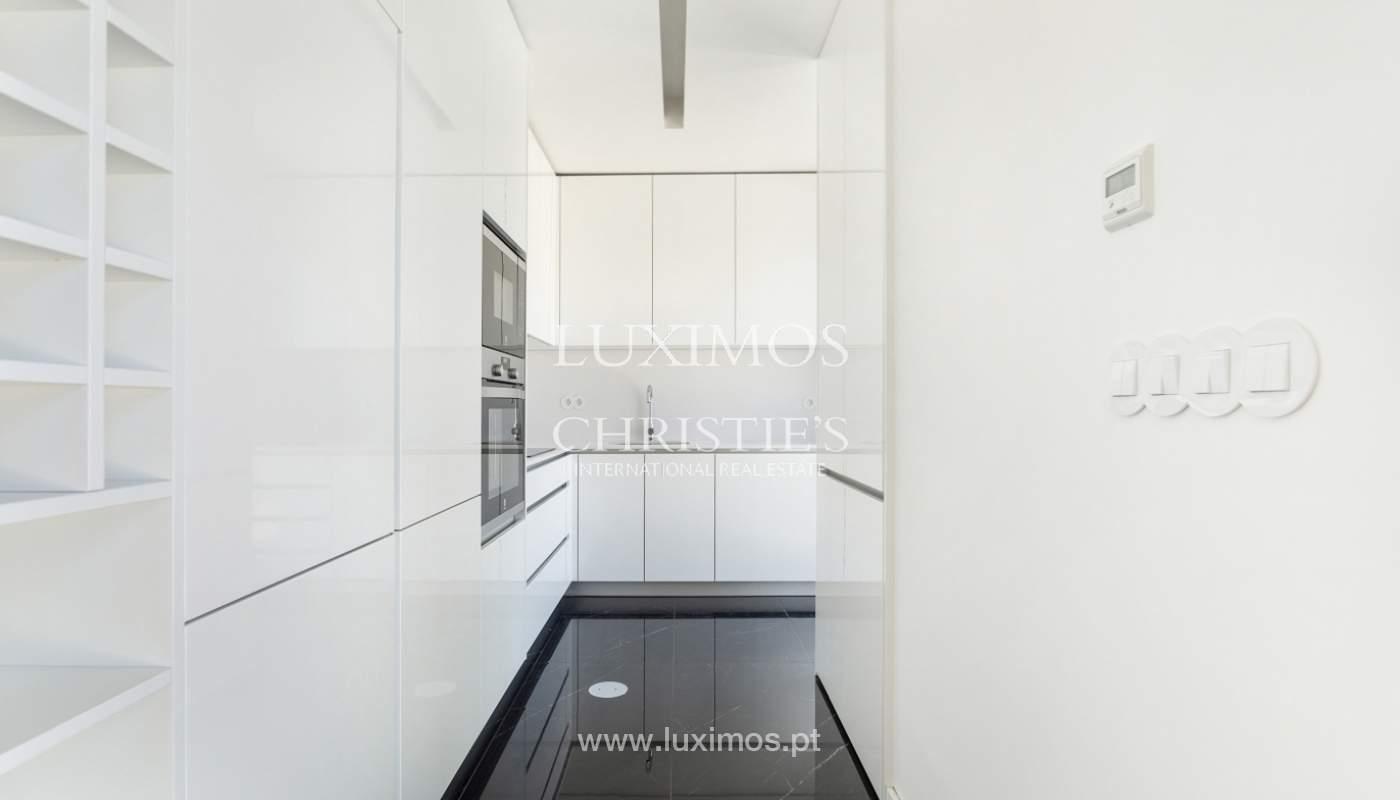 Apartment with balcony and terrace, for sale, in Boavista, Porto, Portugal_176546