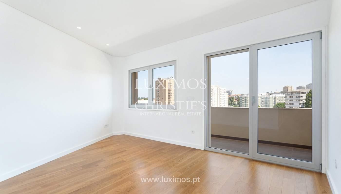 Apartment with balcony and terrace, for sale, in Boavista, Porto, Portugal_176547