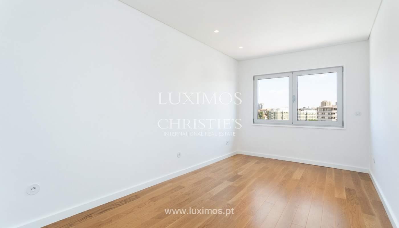 Apartment with balcony and terrace, for sale, in Boavista, Porto, Portugal_176549